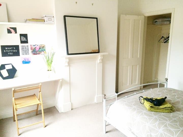 DOUBL BEDROOM IN HEART OF LEICESTER