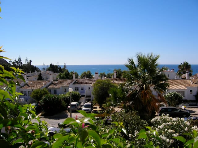 Lovely house 200m from the beach, excellent view