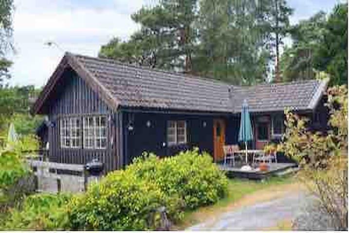 Nice archipelago cottage at Möja.