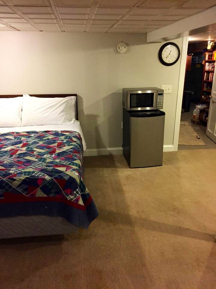 Queen bed, mini fridge and microwave