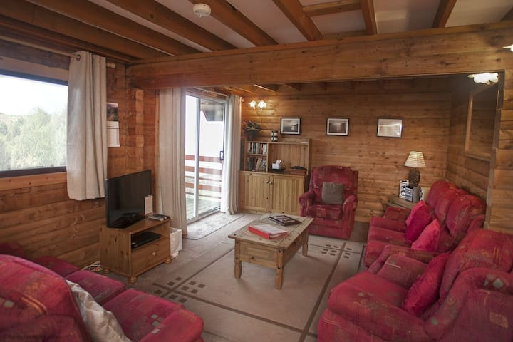 45 Barend Holiday Lodges with free swimming, sauna and golf