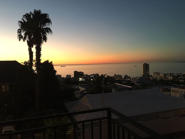 Private suite in Fresnaye - Cape Town