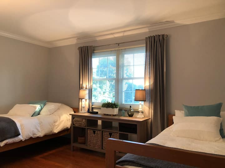 Beautiful Brittania Guest Room