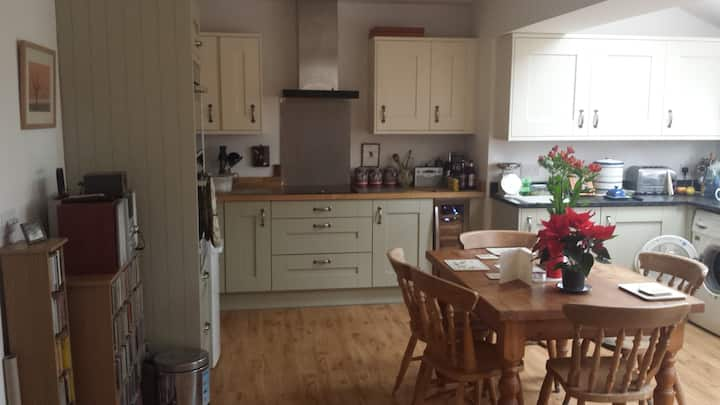 Lovely spacious Romsey home