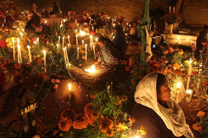 Noche de muerto Pátzcuaro. Troje SantaRita Acampar