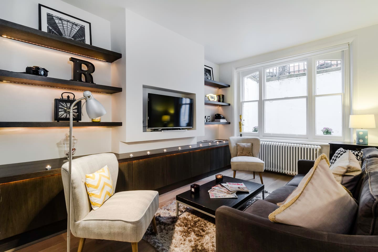 designer w kensington flat serviced by hostmaker apartments for