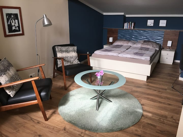 Cosy Room in Spacious House – West2