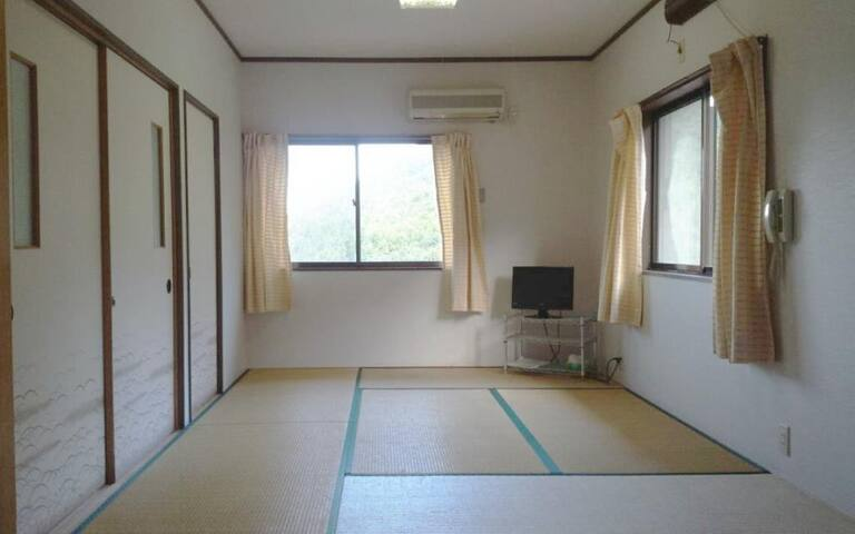 Enjoy Magnificent Nature ! Japanese style room with 6 tatami WiFi