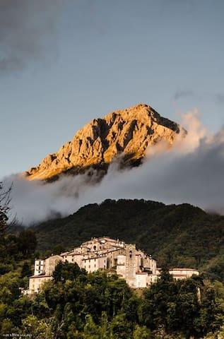 La casina di Massimo - Stazzema - Byt