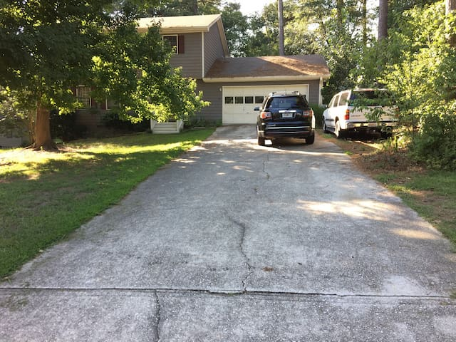 A long driveway where you can park your car