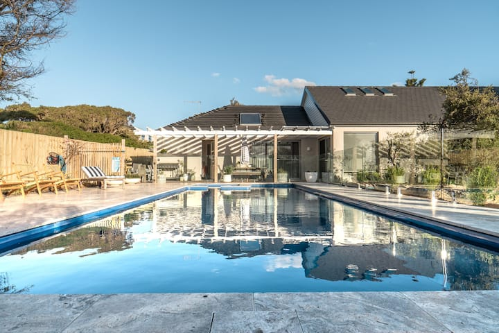 POSITION - POOL AND SPA - PET FRIENDLY ON PARER
