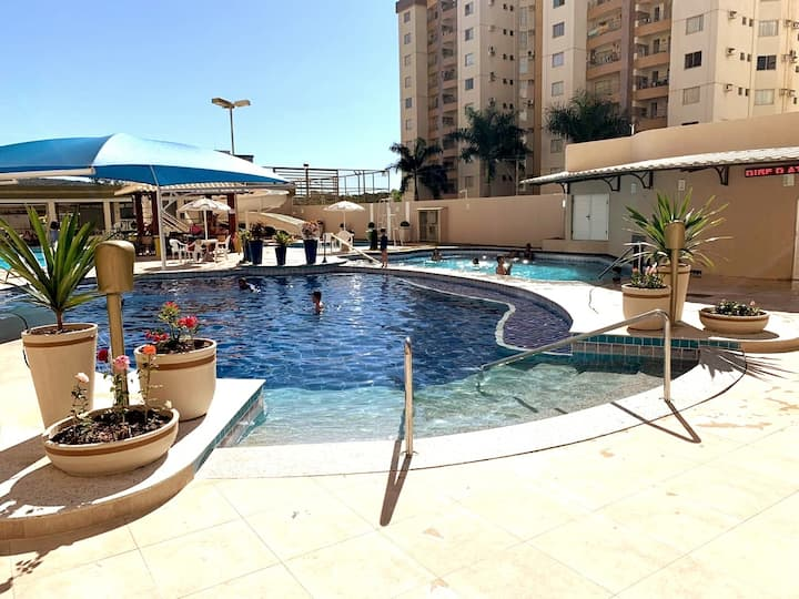 *PRIVE DAS THERMAS 1* CONDOMINIO-CLUBE 7 PISCINAS