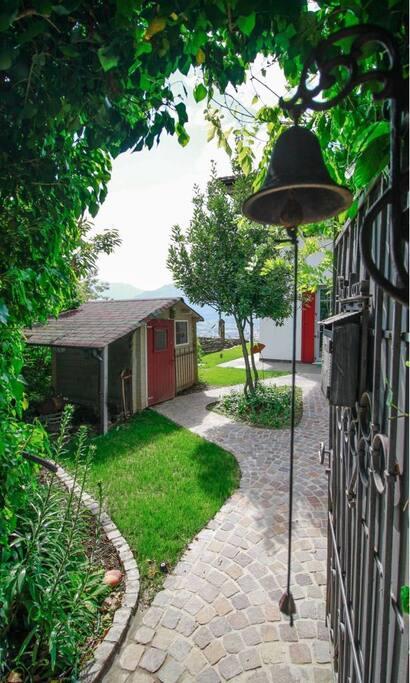 Giardino romantico con meravigliosa vista su Rovereto