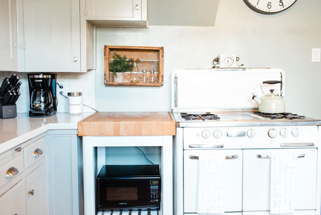All new Appliances and Kitchenware
