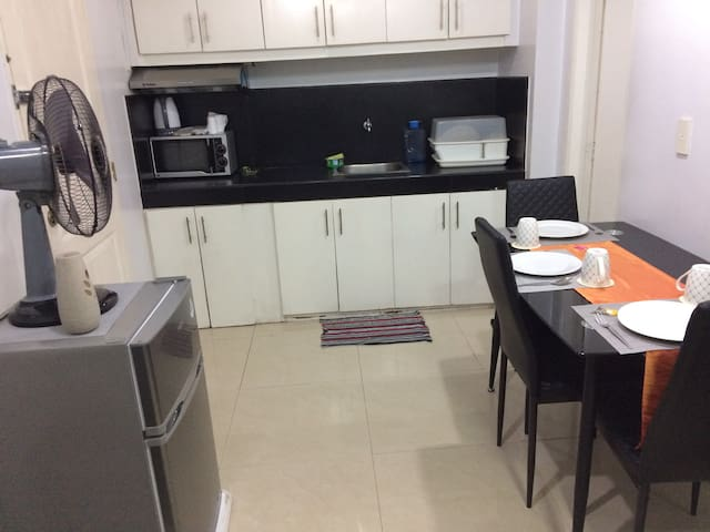 Fully furnished 40 sqm condo at the heart of QC