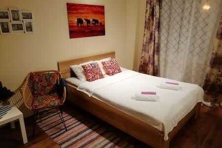 Уютная квартира в красивом и чистом районе.