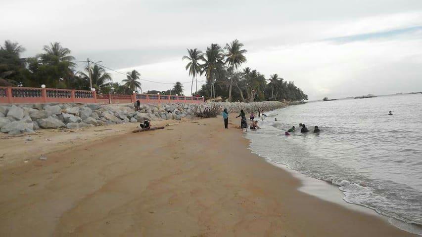 Breakwater Fishing @ Tanjong Bidara - Masjid Tanah - Chalet