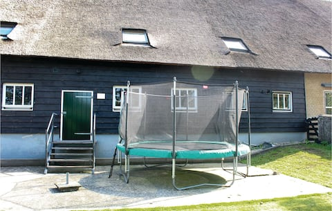 Holiday cottage with 2 bedrooms on 120m² in Giessen-Oudekerk