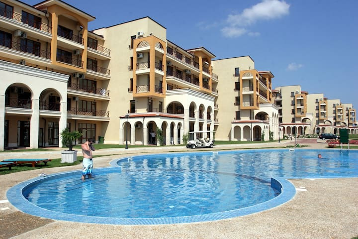 Two-bedroom apartment, located at Lighthouse Golf - BG - Flat