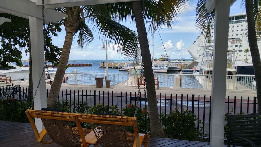 2BR Sunset Harbor Oasis in the Heart of Key West