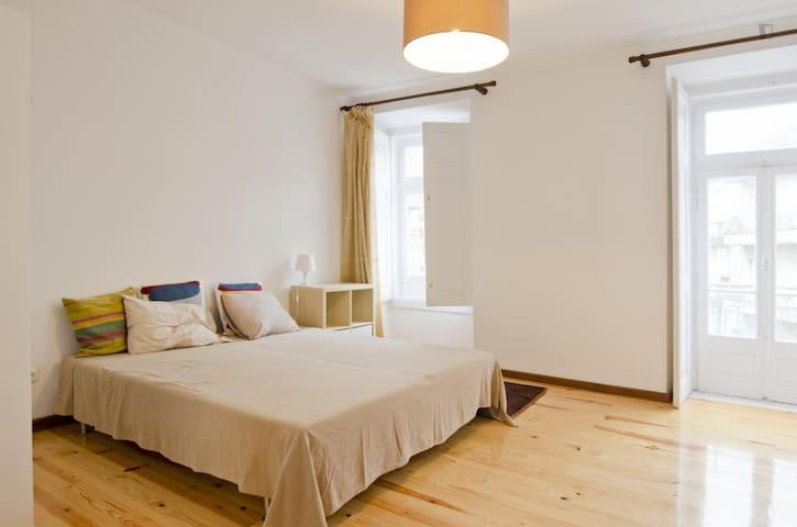 Awesome Private Bedroom in Central Lisbon - Lisboa - Apartemen