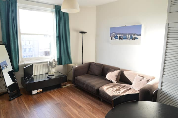 Bright Bayswater apartment near Hyde Park