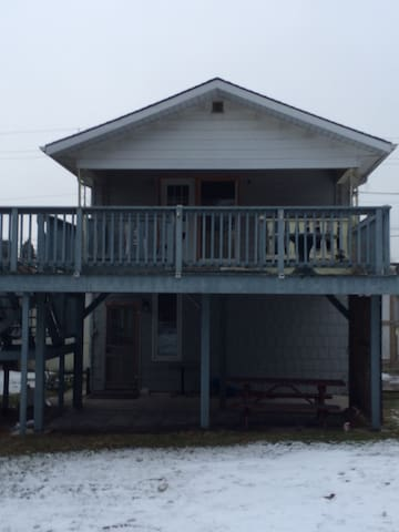 13 Main St. Grand Bend 3 Bedroom-APT. Sleeps TEN - Grand Bend - Pis