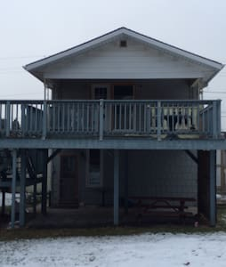 13 Main St. Grand Bend 3 Bedroom-APT- Downtown - Grand Bend