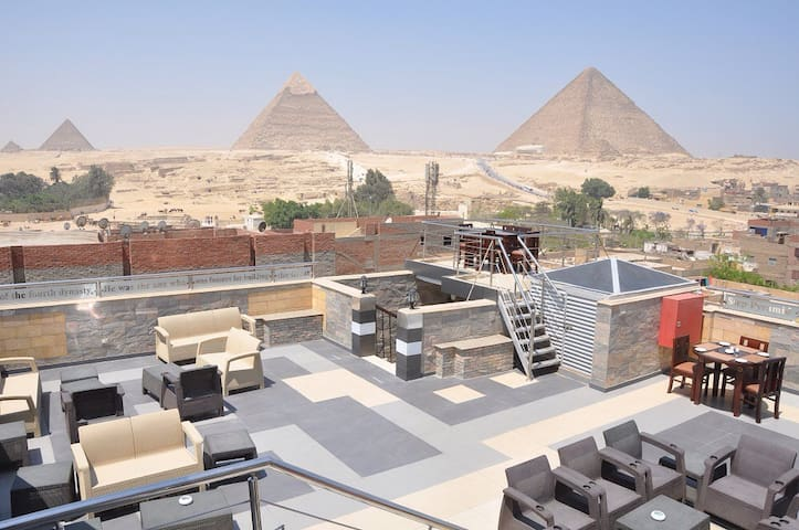 Magic Pyramids view hotel rooms 40$ - Al Haram - Bed & Breakfast