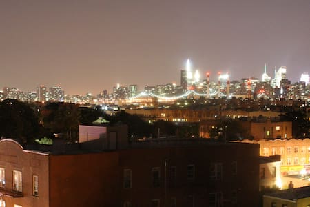 Astoria 30 ave Beautiful 1 Br Apt with great views - Queens - Lejlighed