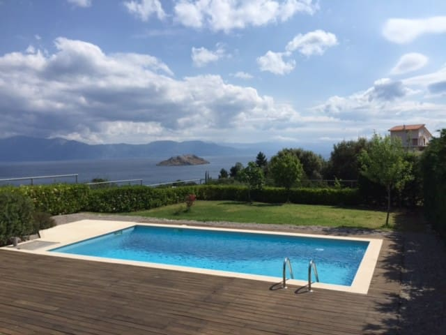 Villa with a pool at Skorponeria - Σκροπονερια - Vila