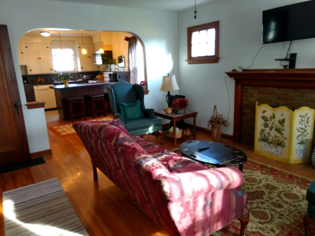 Clintonville Comfort and Charm