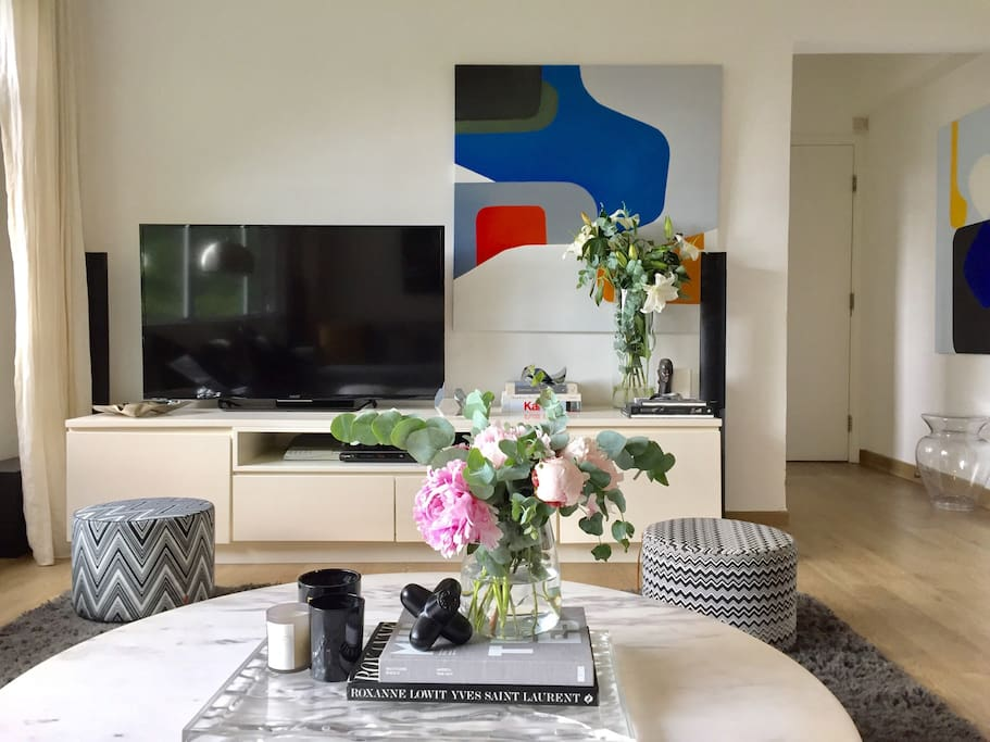 Living room with Sony Bravia 55inch TV