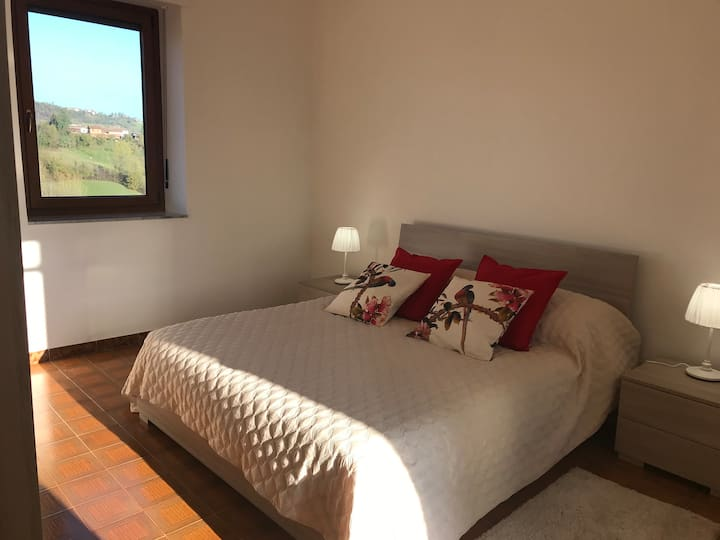 Peaceful room in the middle of bellissimo Piemonte