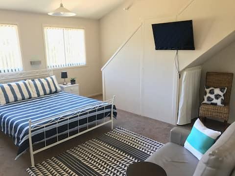 Shelly Beach House - Studio Retreat