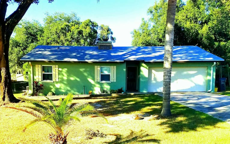 Elegant 3br home, fully equipped! Close to I4 - Lakeland - Dom