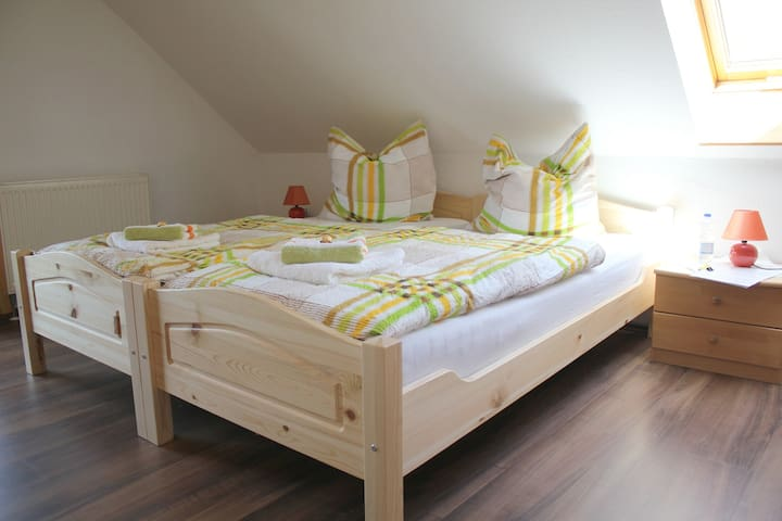 "Double room ""Lena"" at cottage ""Altjessen 57"" - Pirna - Herberge"