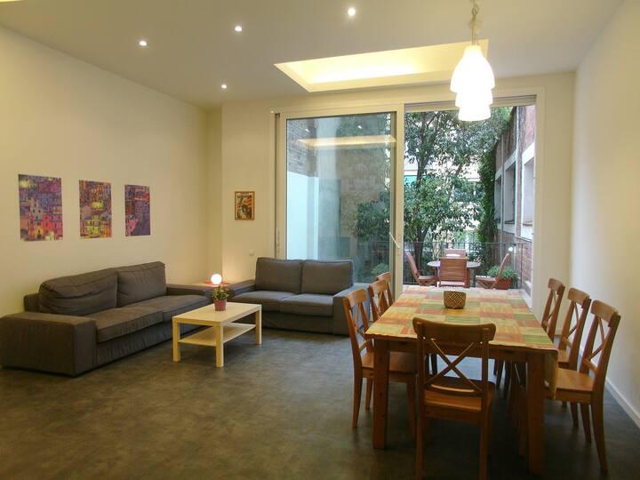 Apartment with Garden in Gracia