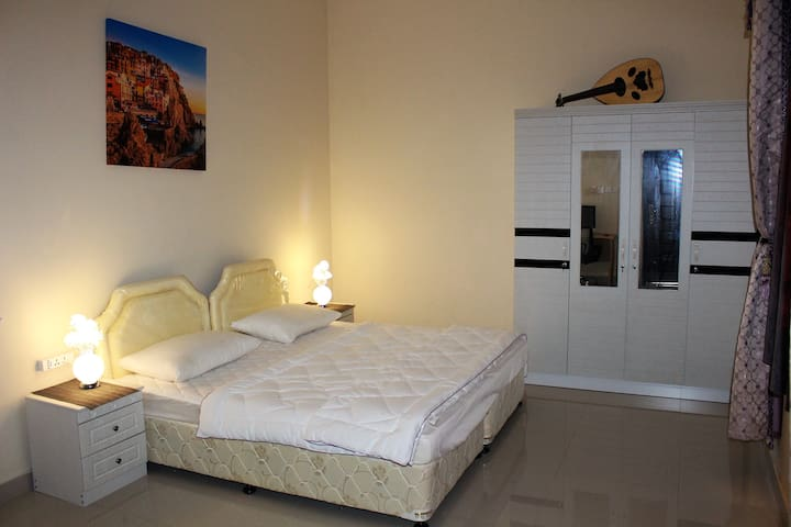 Private bedroom in Sohar heart