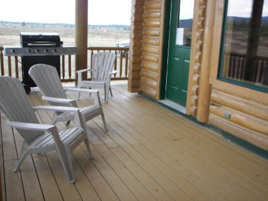 Covered deck area with propane grill