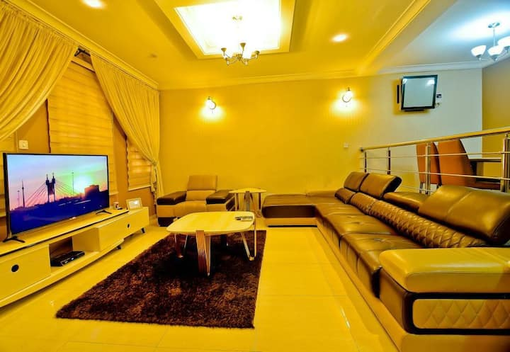 we bring you luxury away from home