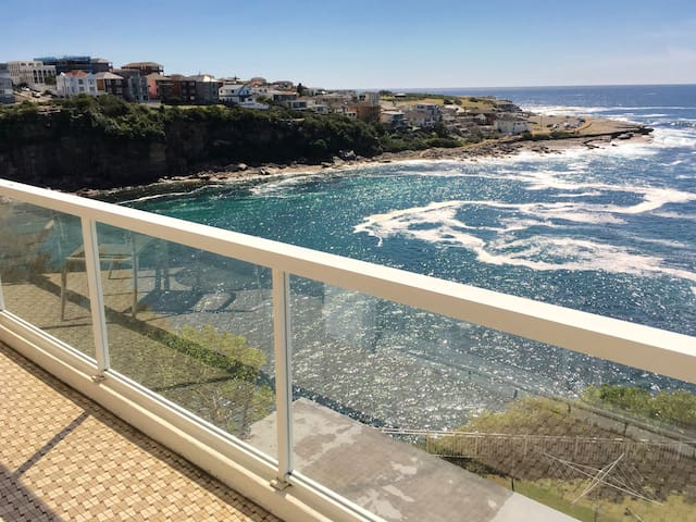 *** ABSOLUTE WATERFRONT *** - Coogee - Apartamento
