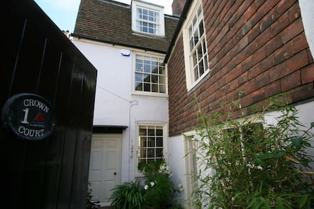 Charming and quirky, secluded seaside cottage - Deal - Hus