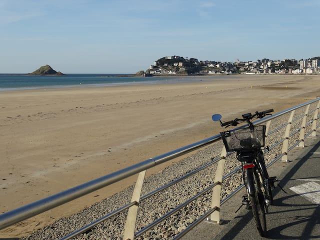 Maison calme à 5 min à pied de la plage