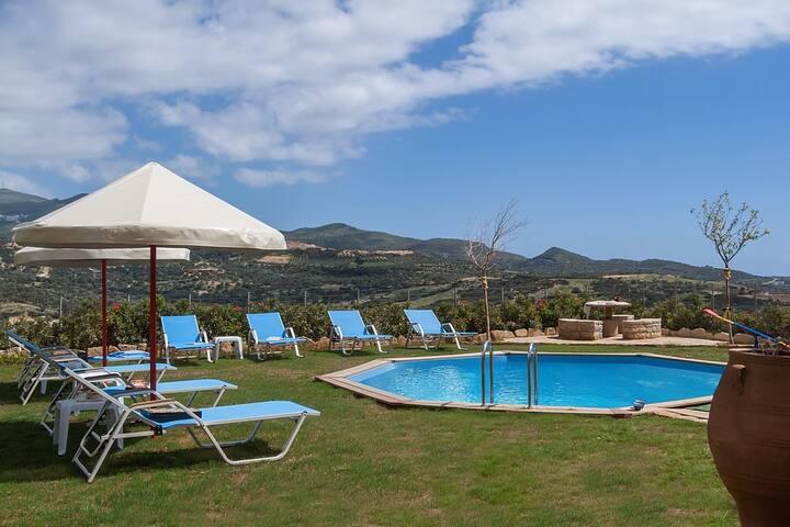 Villa Nikos-Pool in Rethymno, Crete