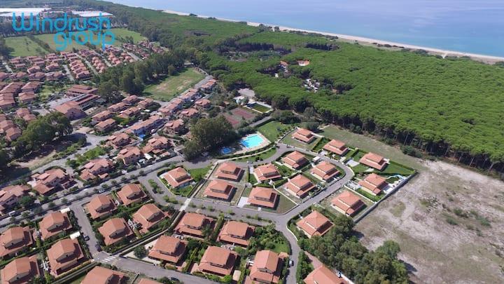 Exclusive Private Villa   Direct access to beach