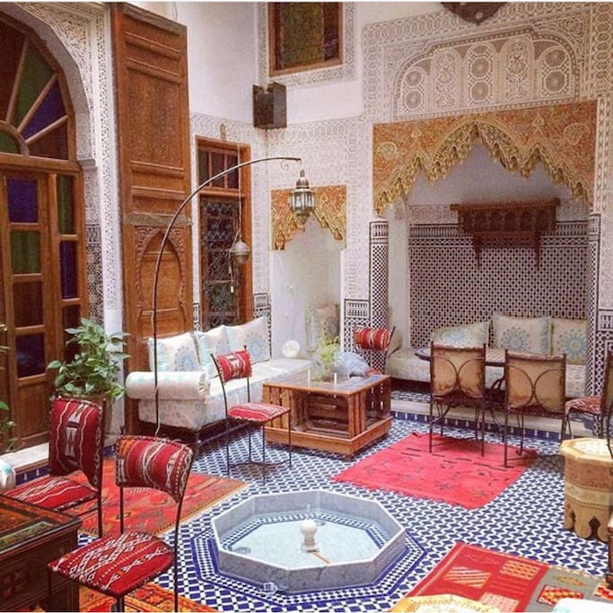 Traditional entire riad to rent houses for rent in fes for Airbnb fez