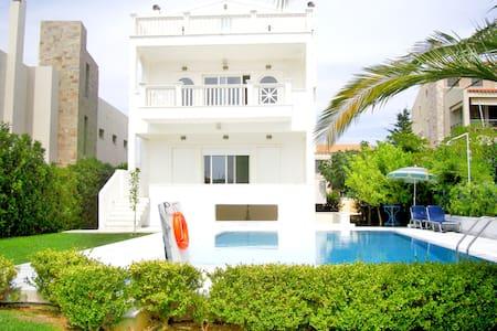 Cosy Beach Hilltop Apt – Anavyssos - House