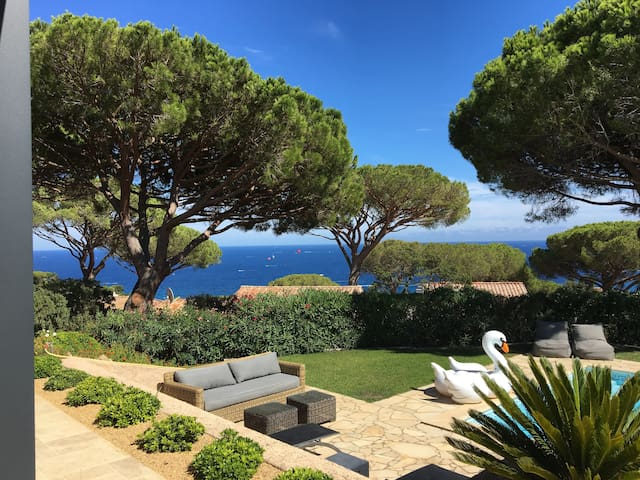 Spectacular mediterranean sea views beach 2 mins villas for rent in sainte maxime provence alpes côte dazur france
