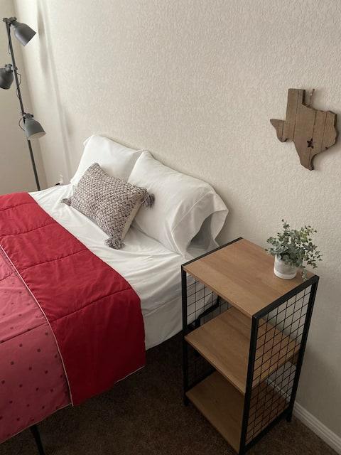 Comfy & Cozy Family Friendly Getaway in Leander